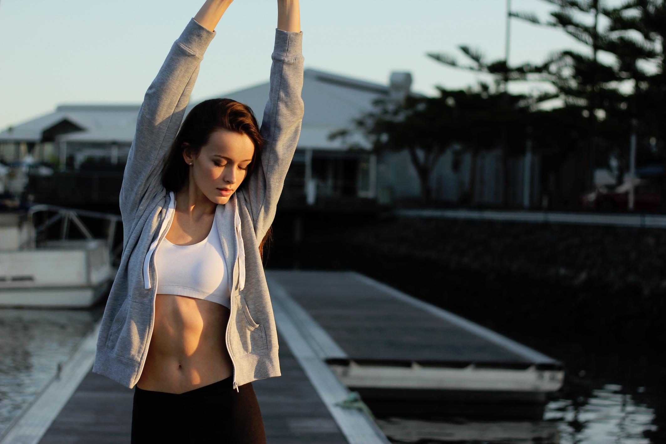 Ein gutes Faszientraining sorgt für tolle Beine, straffen Bauch und einen knackigen Po! Dies sorgt auch für ein angenehmes Wohlbefinden und Ausgeglichenheit.