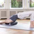 fayo® Faszien-Rolle, grosse Rolle im Einsatz bei einer Übung des Schulterbereiches