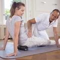 Mit der Medirolle kann gezielt und durch Einsatz des eigenen Körpergewichts der Bereich der hinteren Beine sowie das Gesäss effektiv gerollt werden.